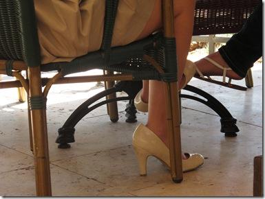 נעל מיוחדת בית קפה (1)