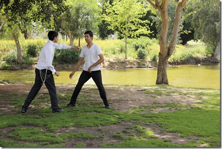 _MG_0042 חרדים מתאמנים באיקידו בפארק