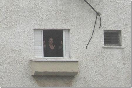 _MG_0011 - אישה בחלון קטע